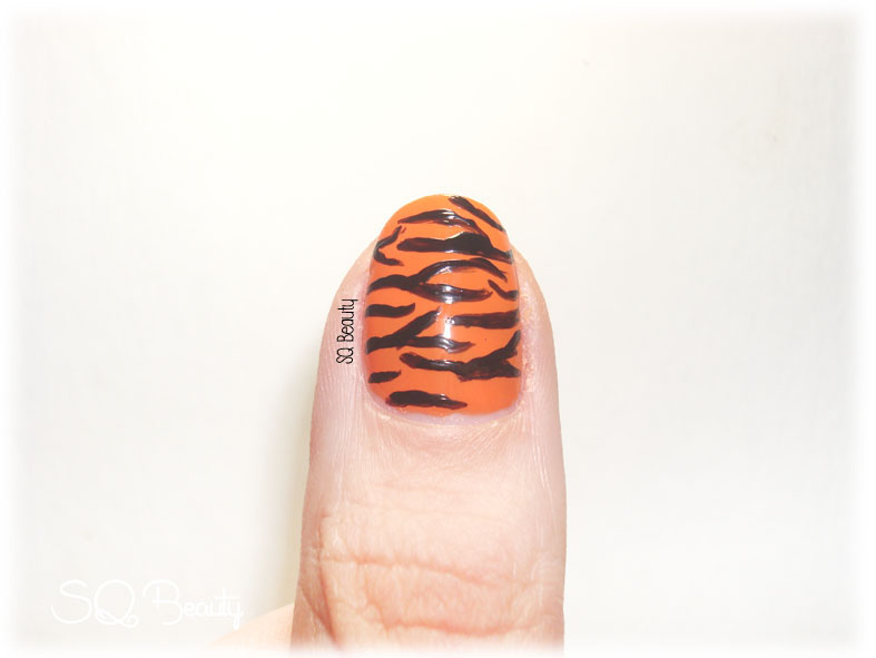 Manicura tigre, tiger manicure, nail friday Silvia Quiros SQ Beauty