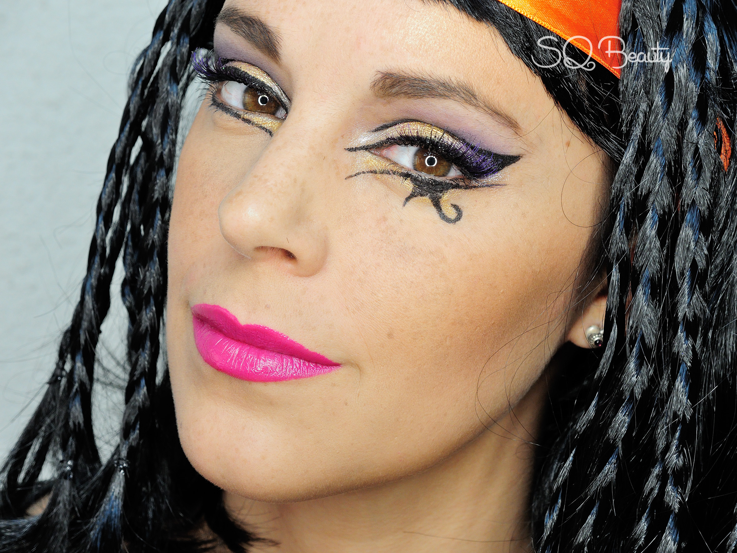 Egyptian Katy Perry in Dark Horse Makeup