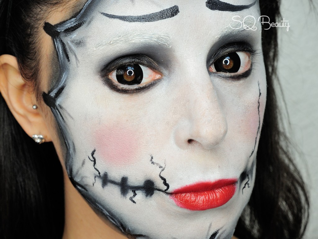 Mask mime makeup