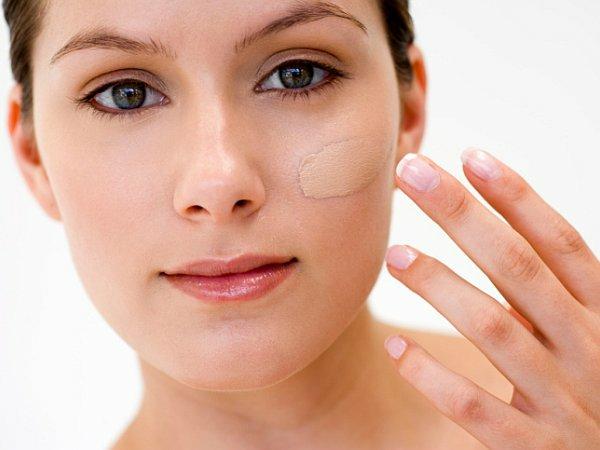 4. Aplica base de maquillaje