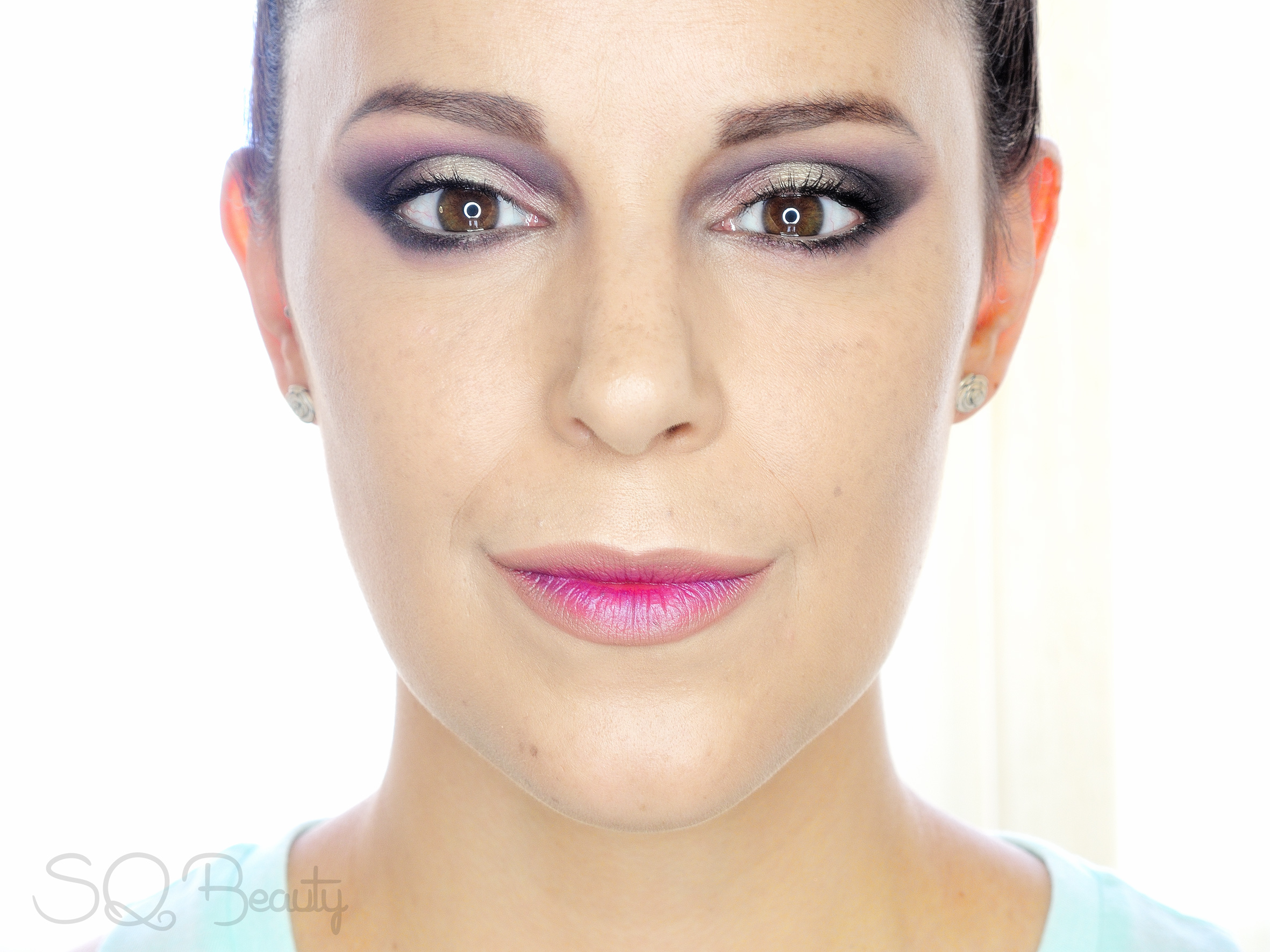 Maquillaje morado roquero de invierno