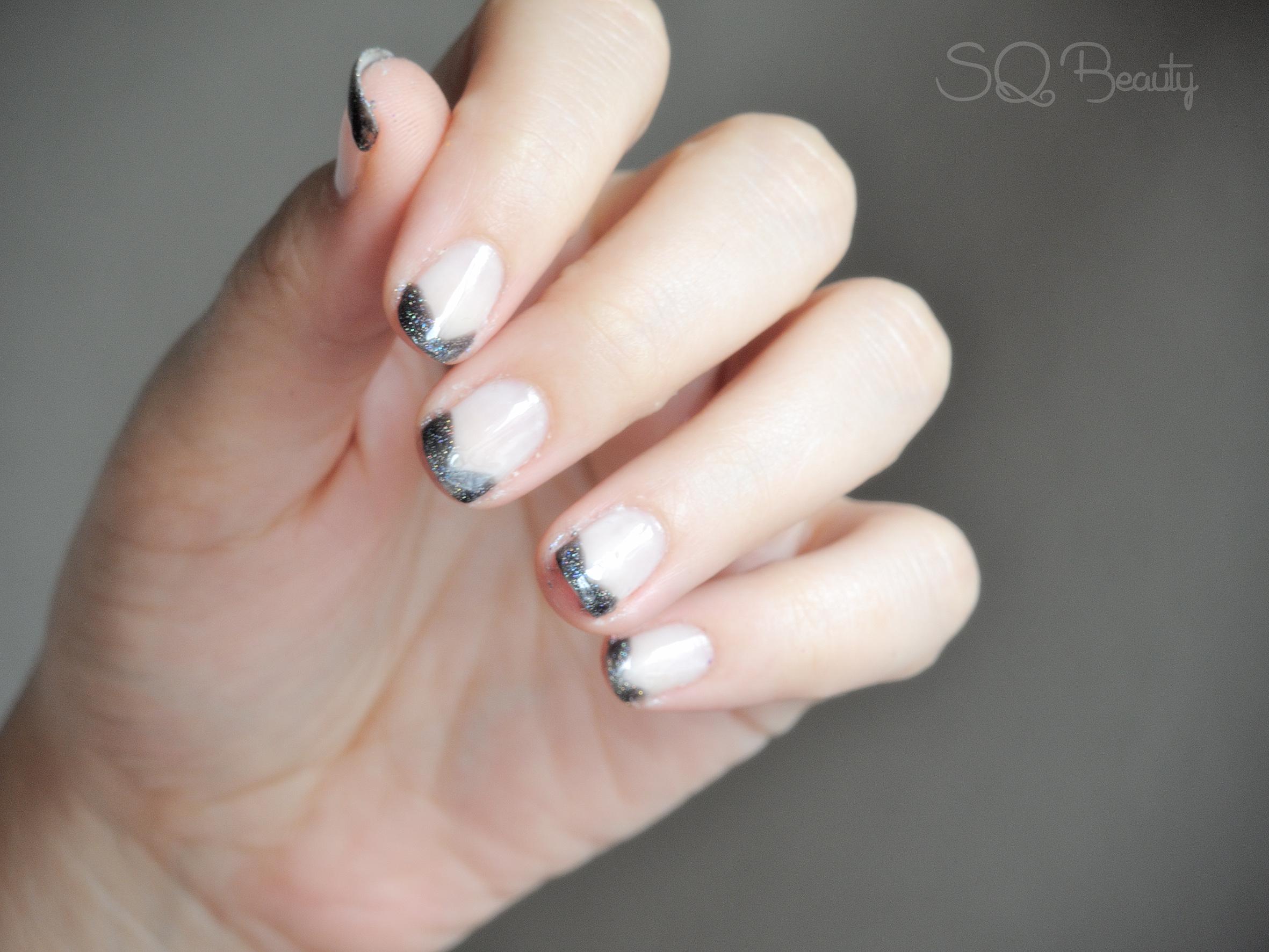 Nail Friday manicura francesa triangular