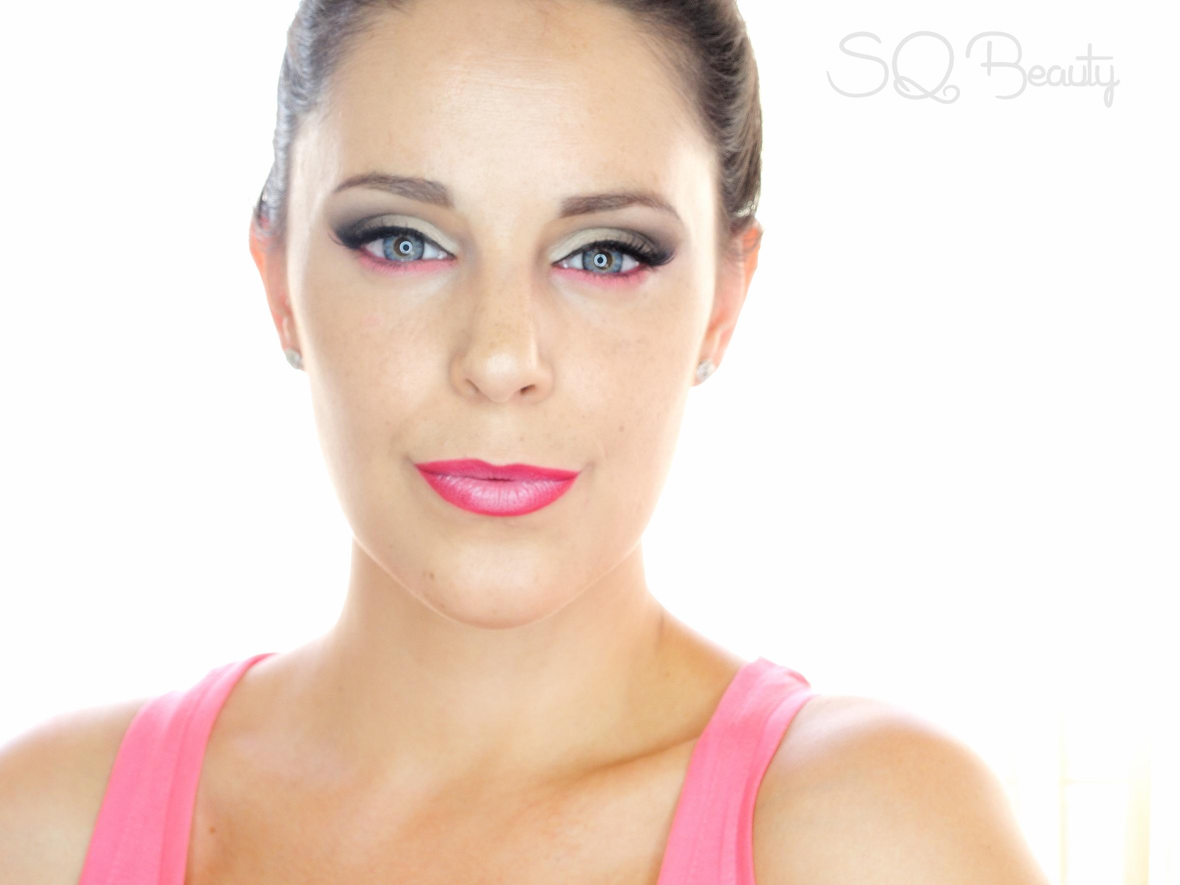 Maquillaje para acentuar ojos azules