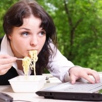 5 Malos hábitos de comida