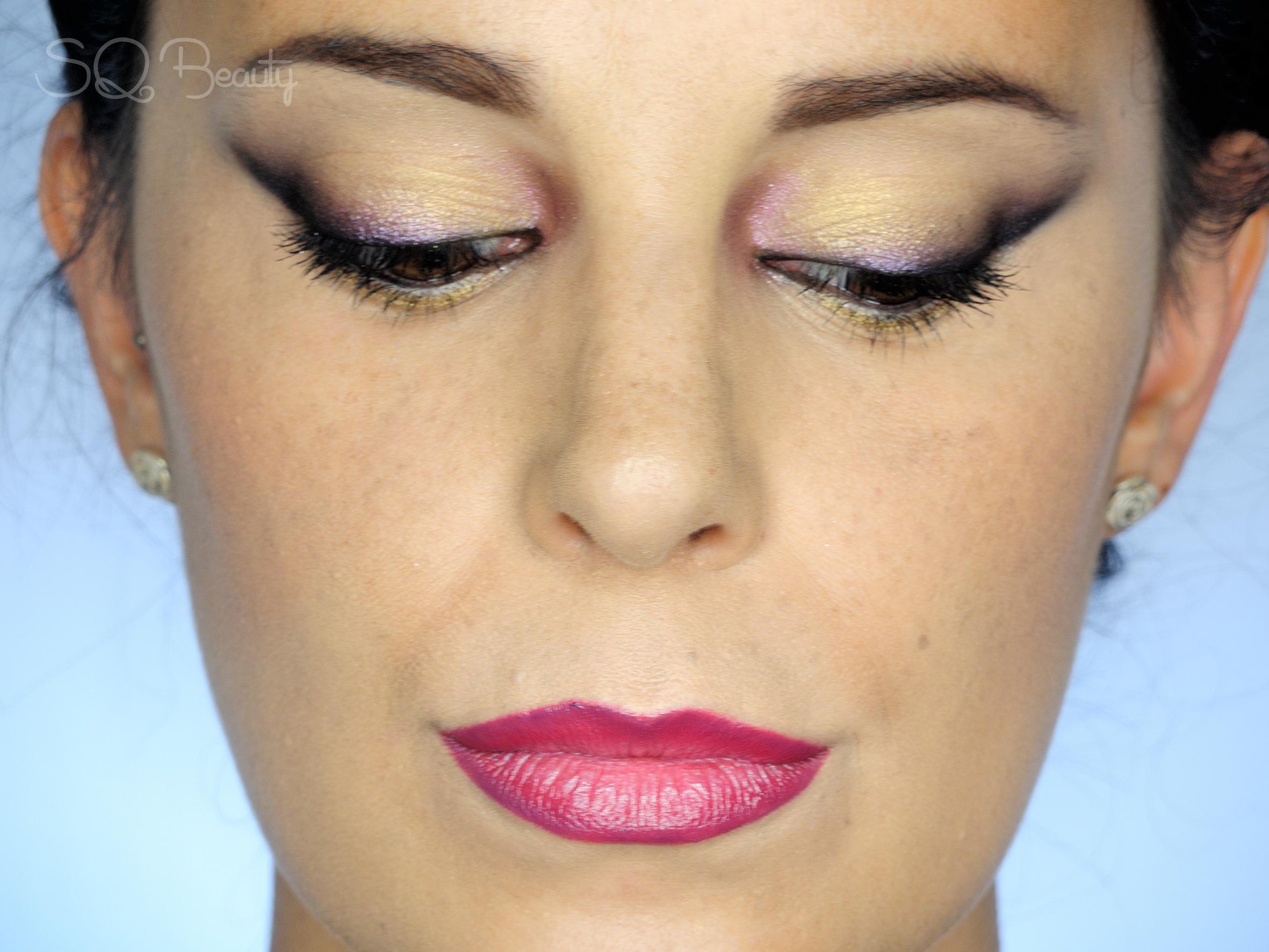 Maquillaje Delineado Morado Y Dorado