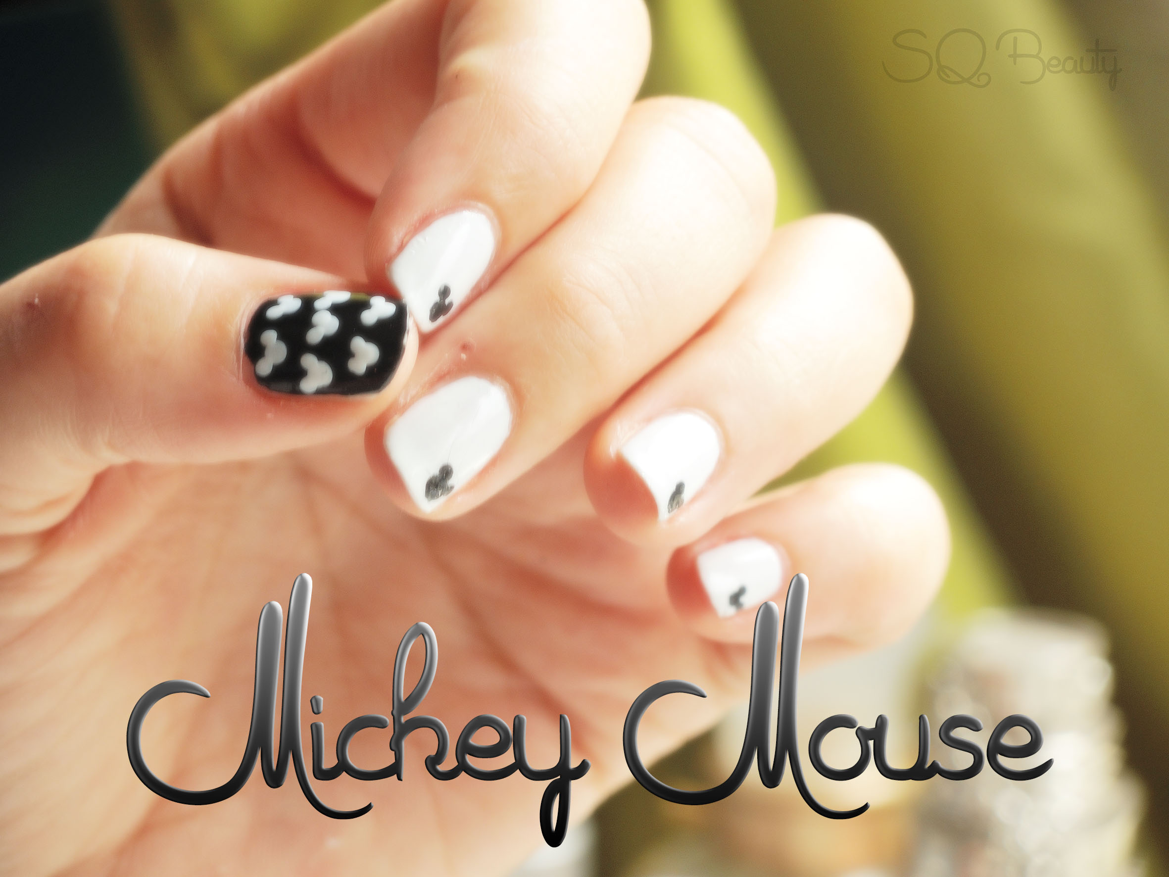 Nail Friday Mickey Mouse Manicure - Silvia Quirós