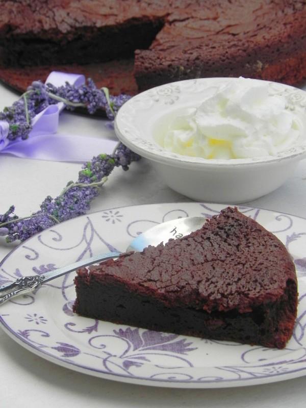 Tarta templada de chocolate negro (sin bizcocho y blandita)
