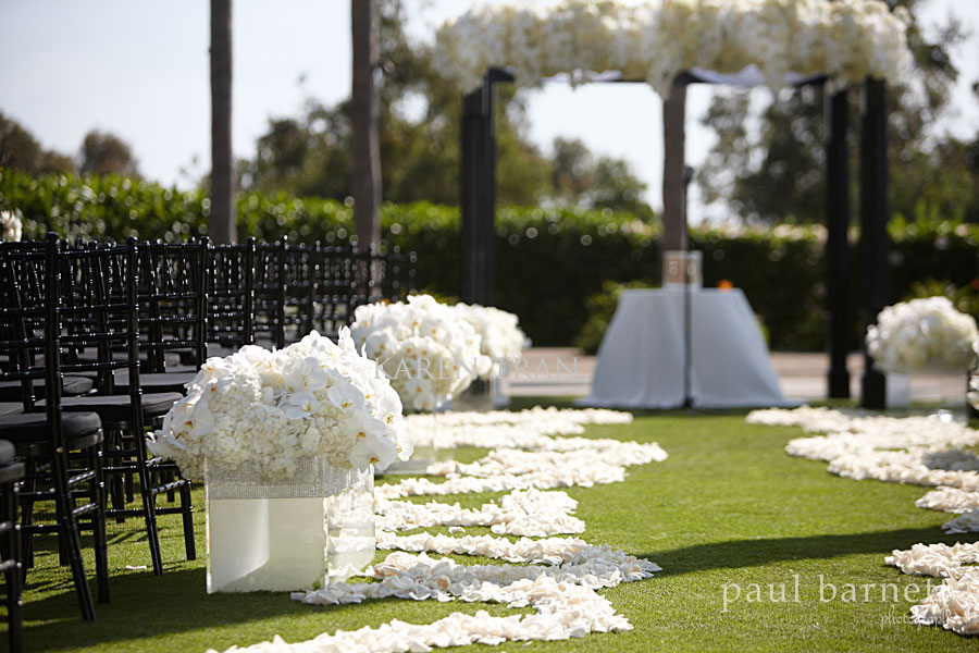 Modern black and white wedding1 - The Modern Wedding Collection