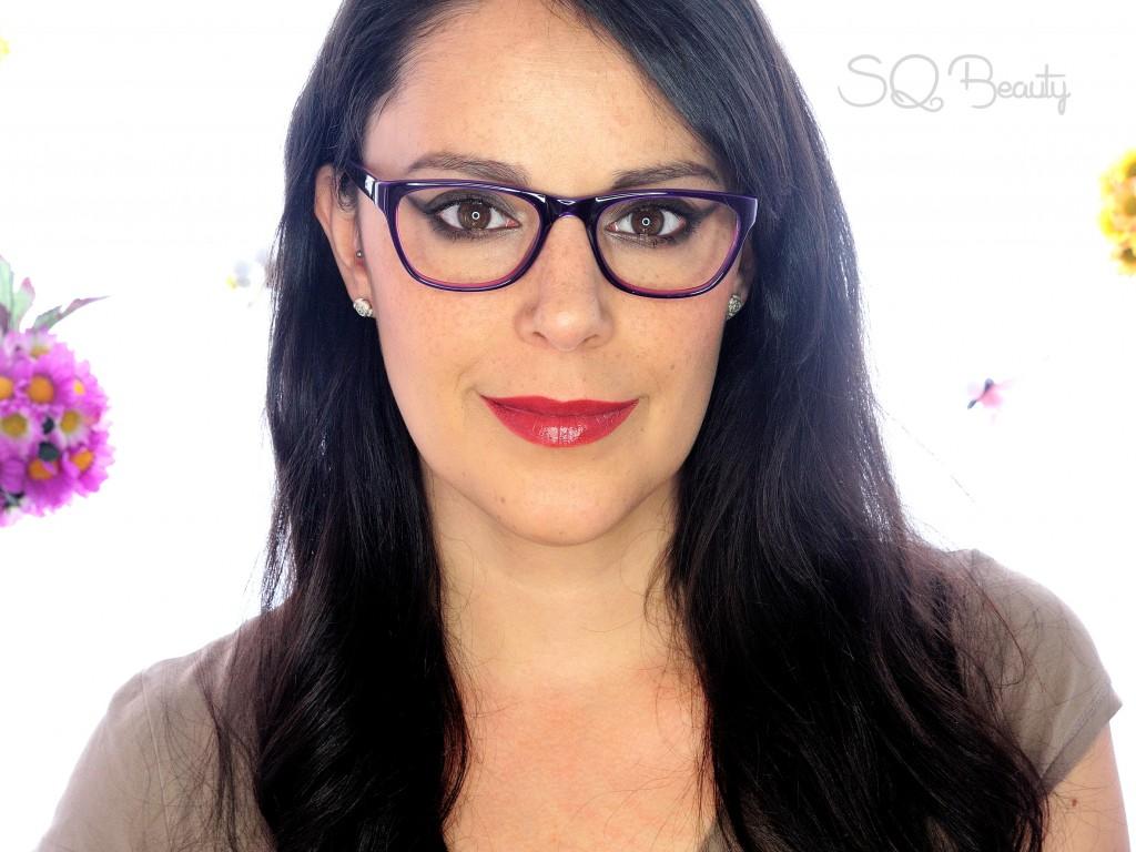 Maquillaje intenso para gafas con final FX