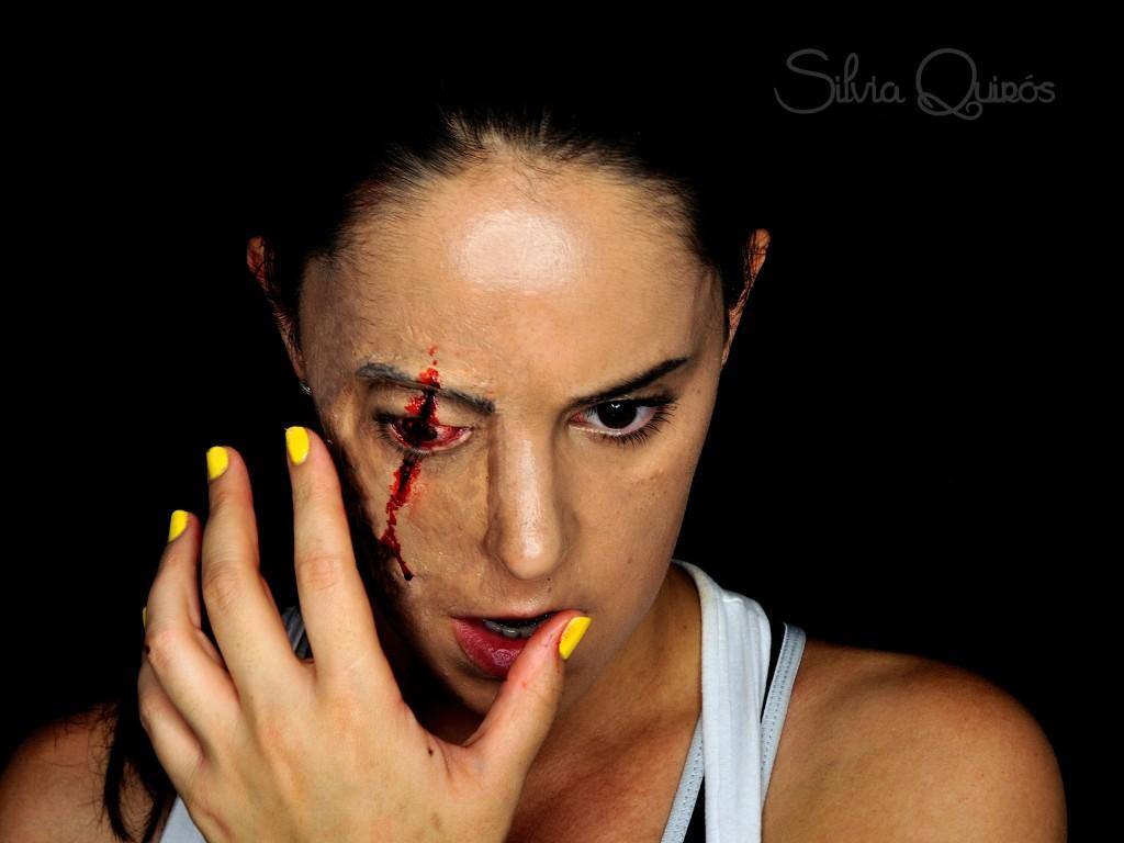 fecto especial ojo rajado usando prótesis