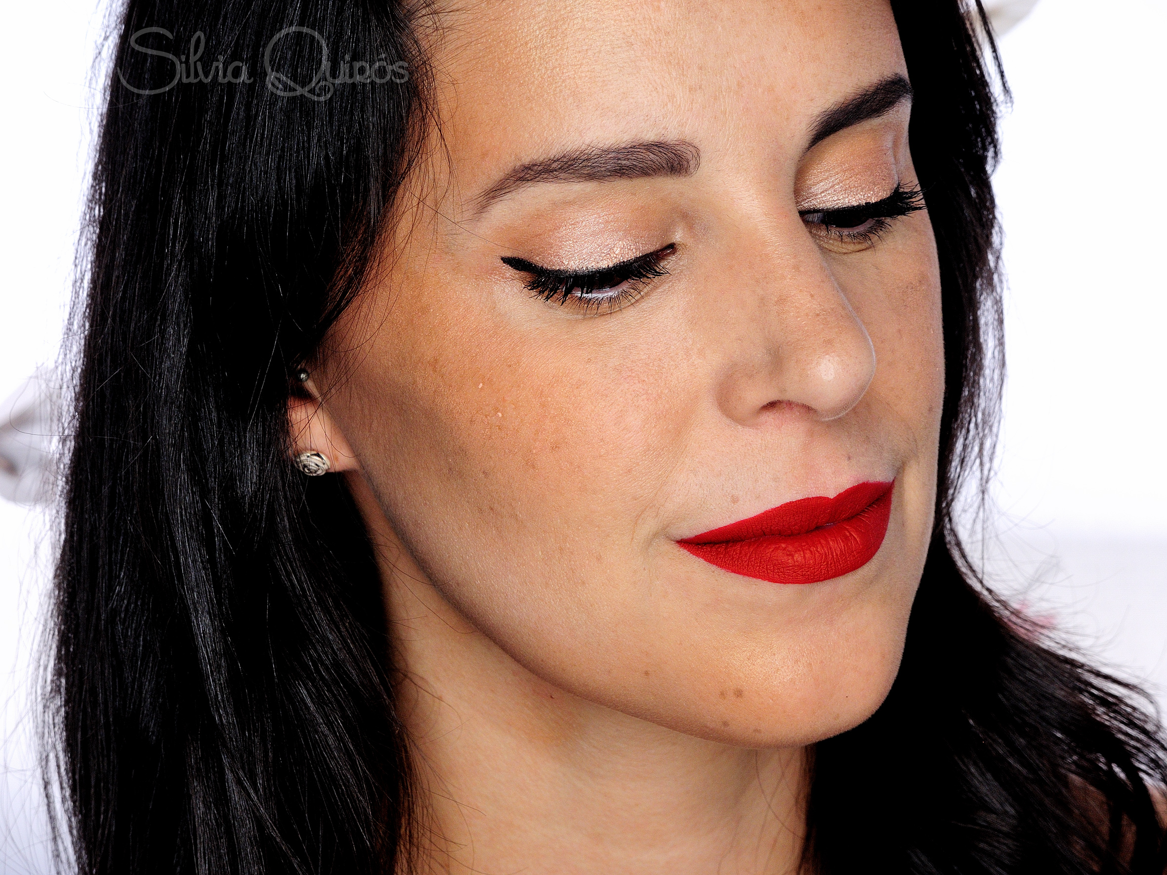Maquillaje pin up resistente al sudor silvia quir s - Maquillage pin up ...