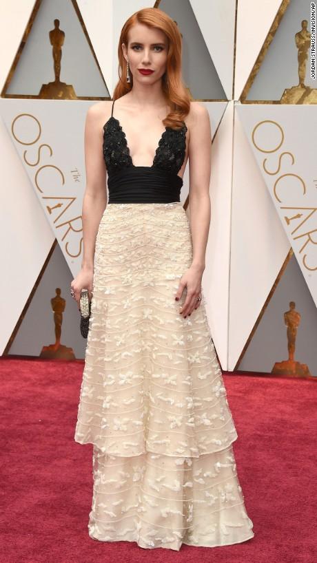 Emma Roberts en vintage Armani Privé