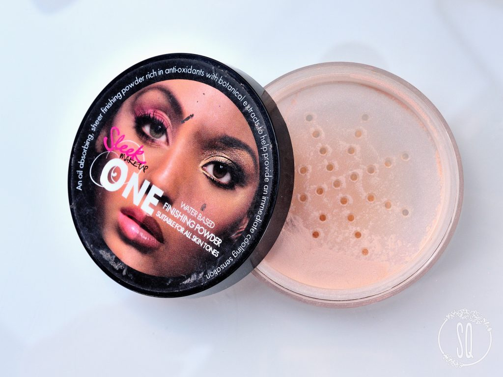 One water based finishing powder Sleek Makeup