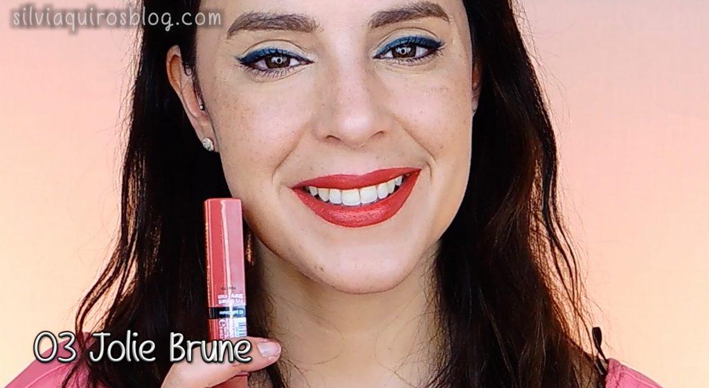 03 Jolie Brune