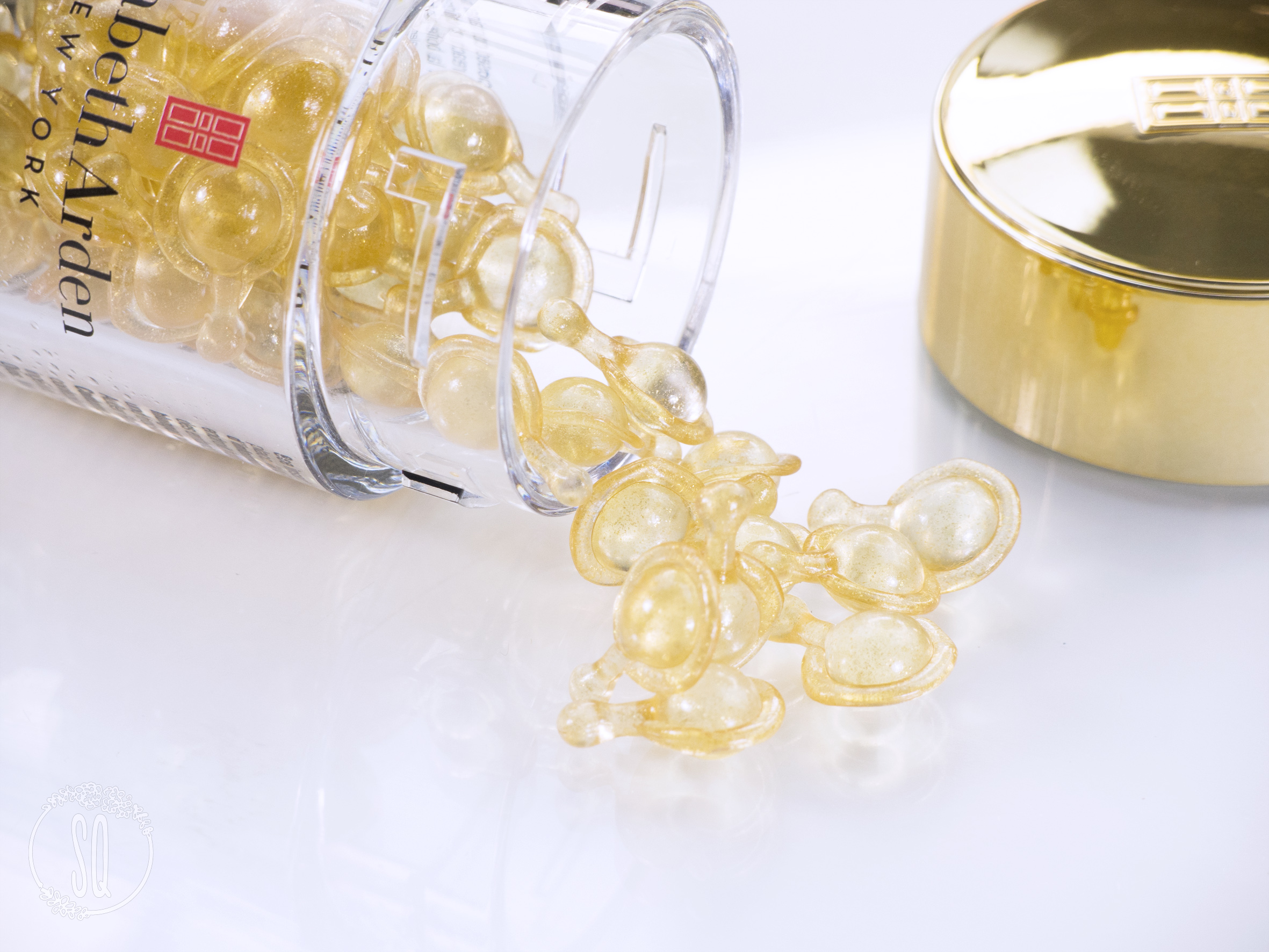 Cápsulas Advanced Ceramide Capsules Daily Youth Restoring Serum de Elizabeth Arden