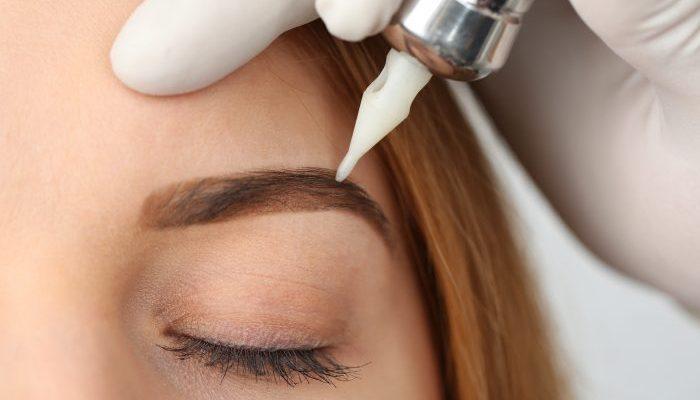 Tratamiento micropigmentación de cejas