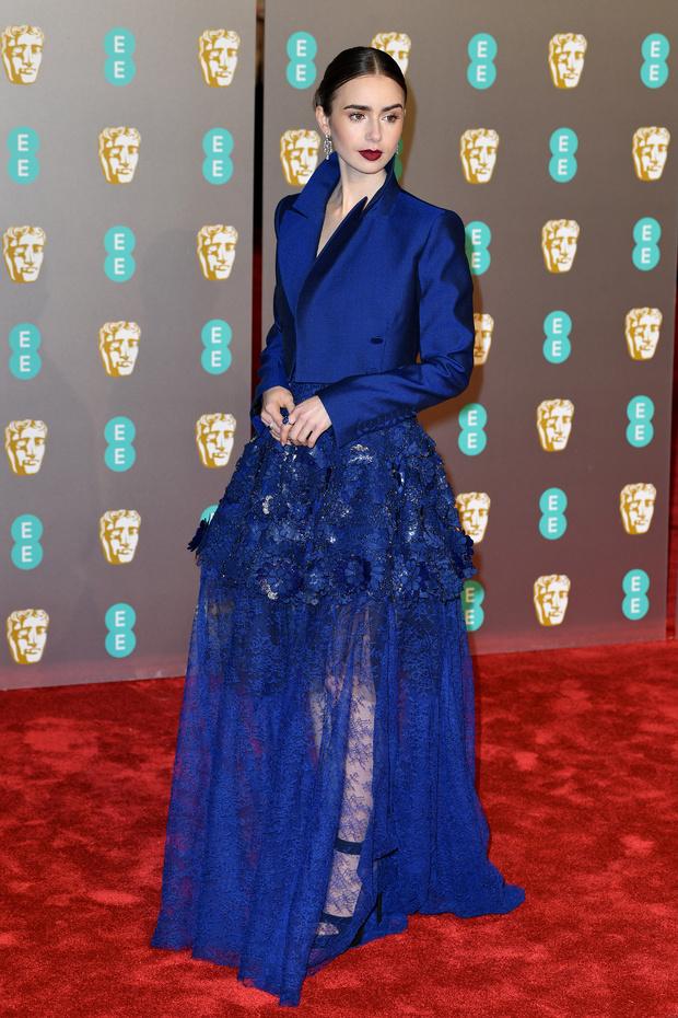 Maquillaje impecable de Lily Collins en los Bafta 2019 por Lancôme
