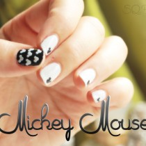 Nail Friday Manicura Mickey Mouse