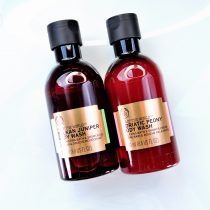 Geles de la línea Spa of the World de The Body Shop